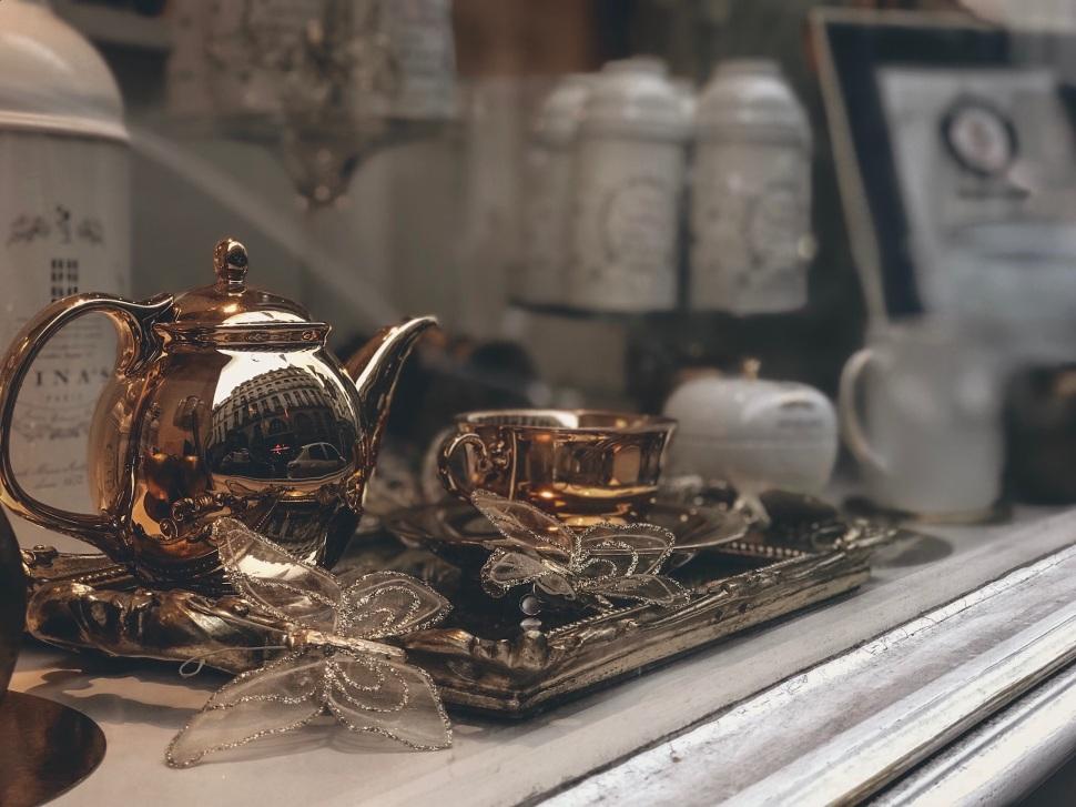 Nina Marie Antoinette, Paris France