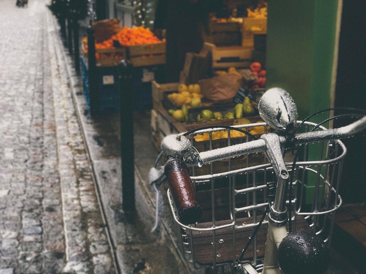 Bicycle on Rue du Nil, Paris