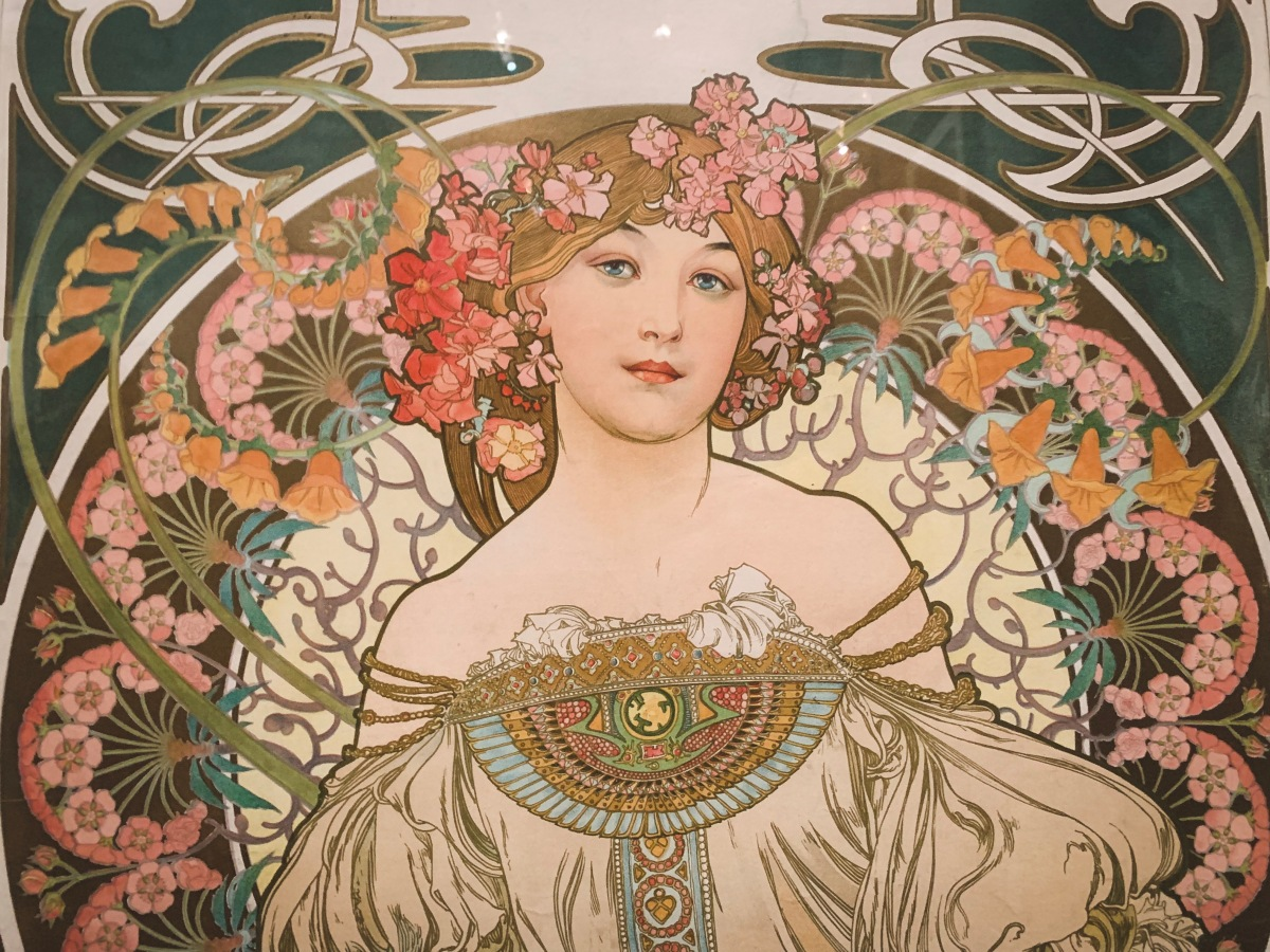 Fashion, Flowers & Femininity: Discovering Mucha in Paris